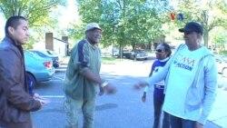Tocando puertas para motivar al voto