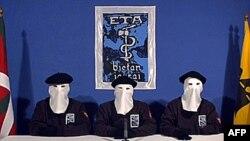 Члени сепаратистського угруповання ЕТА під час оприлюднення перемир'я