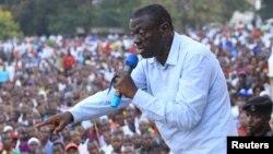 Kiongozi wa chama cha upinzani cha FDC huko Uganda, Dr.Kizza Besigye.