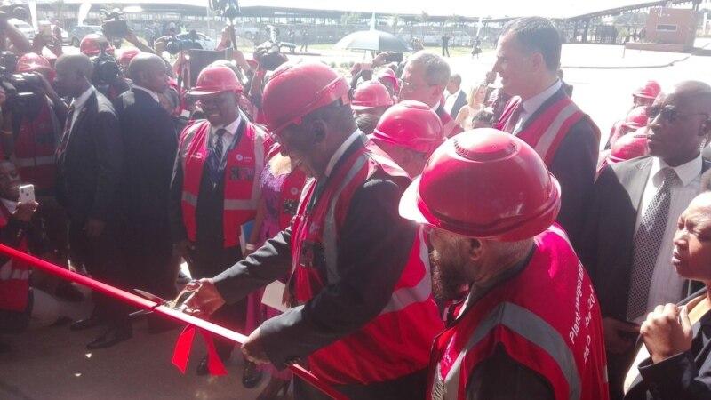 Afrique du Sud: en pleine campagne, le président se retrouve bloqué 4 heures dans un train