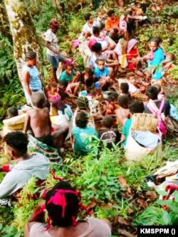 Lebih 2 ribu orang dilaporkan mengungsi di setidaknya 10 titik, terutama di hutan-hutan. (Foto: Courtesy/KMSPPM)