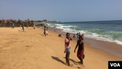 Young Liberians are seen at a popular beach in Mamba Point, Monrovia, March 16, 2015. (Benno Muchler/VOA)