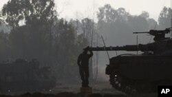 Пока танки стоят и пушки молчат