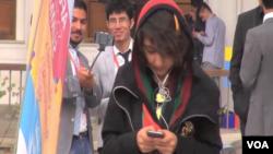 افغانستان میں نوجوان خواتین کی ایک بڑی تعداد سوشل میڈیا کے پلیٹ فارمز کا استعمال کر رہی ہے۔