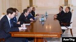 Prezidenti İlham Əliyevlə ABŞ-ın Nəqliyyat Komandanlığının komandanı Uilyam Freyzerin görüşü