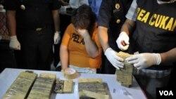 Seorang warga negara Inggris ditangkap karena menyelundupkan kokain di bandara Ngurah Rai, Denpasar. (Foto: Ilustrasi)