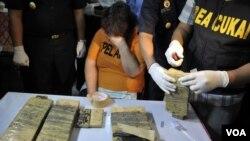 Lindsay Sandiford saat ditangkap karena di bandara Ngurah Rai, Denpasar, karena menyelundupkan kokain.(Foto: VOA/Muliarta).