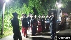 ကမ္ခ်နဘူရီခရိုင္မွာ ဖမ္းမိတဲ့ျမန္မာအလုပ္သမားမ်ား။ (ဓာတ္ပံု - Thai Police - ၾသဂုတ္ ၁၁၊ ၂၀၂၀ )