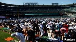 ریاست کیلی فورنیا کی آرنج کاؤنٹی میں عید کی نماز کا اجتماع، فائل فوٹو