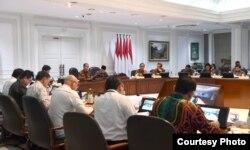 """Rapat Terbatas """"Peningkatan Peringkat Pariwisata Indonesia"""" di Kantor Presiden, Jakarta, Senin (17/2) (Foto: Biro Setpres RI)"""