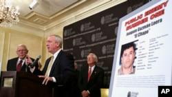 """En julio 14 de 2015, autoridades estatales de Chicago y del gobierno federal de EE.UU. nombraron a Joaquín """"El Chapo"""" Guzmán, como el Enemigo Público Número Uno de Chicago."""