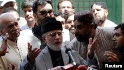 طاهراالقادری واېې چي پاکستان ته د انقلاب راوستلو په موخه د کاناډا څخه راغلي دی.