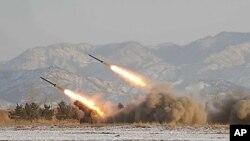 2009년 북한군의 포사격 훈련 모습 (자료사진).
