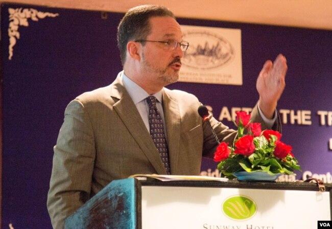 華盛頓國際與戰略研究中心亞洲事務高級副總裁格林(Michael Green,2016年7月20日)