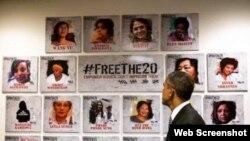 Barak Obama 20 siyasi məhbus qadının portretinə baxır
