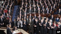 O discurso do Estado da União é proferido em sessão plenária das duas Câmaras do Congresso.
