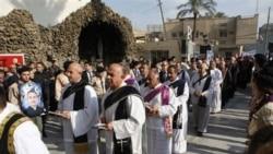 گرامیداشت یاد قربانیان حمله به کلیسا از سوی مسیحیان عراق