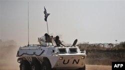 Binh sĩ thuộc lực lượng duy trì hòa bình tuần phòng ở Abyei, sản xuất dầu hỏa, nằm dọc theo biên giới giữa 2 miền Nam-Bắc Sudan