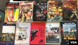 Bìa các sách Phan Nhật Nam xuất bản sau 1975 tại hải ngoại, thực sự là từ sau 1993, thời gian Phan Nhật Nam thoát ra khỏi Việt Nam. [tư liệu Ngô Thế Vinh]