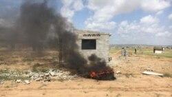 Desalojados da ilha de Luanda descontentes com novas casas - 2:30