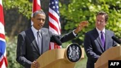 Президент США Барак Обама і прем'єр-міністр Великобританії Дейвід Камерон виступають на спільній прес-конференції у Лондоні 25 травня