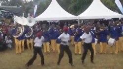 Abe Qembu Lomculo eleBrass Band Bethokozisa Uzulu Edilini Lelanga Lokuzalwa kukaMongameli Robert Mugabe