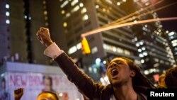 3일 뉴욕 맨해튼의 미드타운에서 뉴욕 스태튼 아일랜드 대배심의 결정에 항의하는 시위가 벌어졌다.