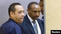 L'ancien chef de guerre congolais Bosco Ntaganda entre dans la salle de la Cour pénale internationale lors de son premier jour de procès à La Haye, Pays-Bas, le 2 septembre 2015.