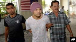 马来西亚歌手黄明志从台湾返抵马来西亚时在吉隆坡机场被捕(2016年8月22日)。