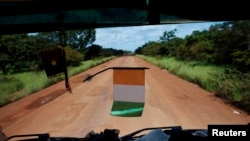 Route menant de la Côte d'Ivoire à Ouagadougou (Burkina), 24 septembre 2012.