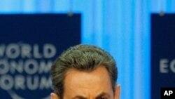 포럼에 참석중인 사르코지 프랑스 대통령