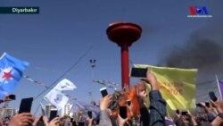 Diyarbakır'da Çözüm Çağrılı Nevruz