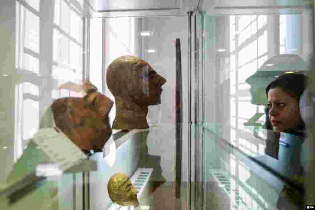 بازدید از آثار تاریخی ایران که به تازگی از خارج مسترد شده اند. عکس: امیر خلوصی