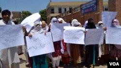 صوبائی محتسب کے دفتر کو خواتین کو ہراساں کرنے کی 38 شکایت موصول ہوئیں جن میں سے 16 پر کارروائی کی گئی ہے۔ (فائل فوٹو)