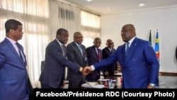 Président Félix Tshisekedi na bokutani na bakambi ya mampinga, bokengi mpe migration na Cité ya Union africaine, Kinshasa, 9 août 2019. (Facebook/Présidence RDC)