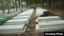 Nghĩa trang Quân đội Biên Hòa có hàng chục ngàn ngôi mộ của các liệt sĩ Việt Nam Cộng hòa đang bị xuống cấp trầm trọng.