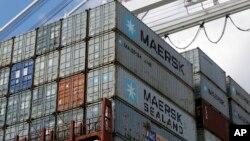 Des conteneurs attendent d'être déchargés au port de Baltimore aux Etats-Unis.