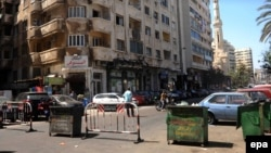 Des barricades de police érigées à Alexandrie, en Egypte, 25 avril 2016. epa/ MAHMOUD TAHA