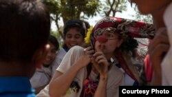 Clown Amy Gwilliam entertains in Cox's Bazar, Bangladesh. (CWB)