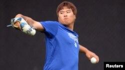 El lanzador Hyun-Jin Ryu, de los Dodgers de Los Ángeles es la esperanza para no quedar eliminados de la Serie Mundial.