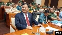 Masuknya Prabowo Subianto sebagai Menhan ke dalam kabinet Jokowi membuat fungsi checks and balances antar kekuasaan menjadi lemah. (foto: Fathiyah Wardah)