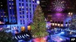 La inauguración del árbol navideño en el Rockefeller Center es todo un acontecimiento que congrega a miles de personas en la Gran Manzana.