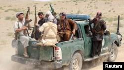 پولیس در فارياب می گویند كه اين نيرو ها امروز در جريان يك عمليات نظامي از محاصر بیرون شدند.