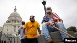 Washington'da hükümetin kapanmasını protesto eden eski muharipler