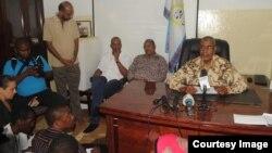 Kiongozi wa CUF, Maalim Seif Shariff Hamad akizungumza na wanahabari