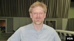 FILE - AVAC Executive Director Mitchell Warren (Joe DeCapua / VOA)