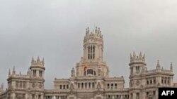 Quảng trường Cibeles (Plaza de Cibeles), nơi có những công trình điêu khắc và đài phun nước nổi tiếng nhất Tây Ban Nha