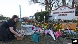 Hommage un an après la fusillade de Parkland en Floride le 14 février 2019.