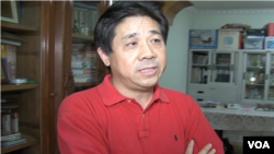 FILE - Chinese activist Feng Zhenghu in 2010 / VOA Mandarin