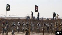 Cảnh sát Iraq canh gác bên ngoài một khu trại của những người Iran bất đồng chính kiến ở đông bắc Baghdad